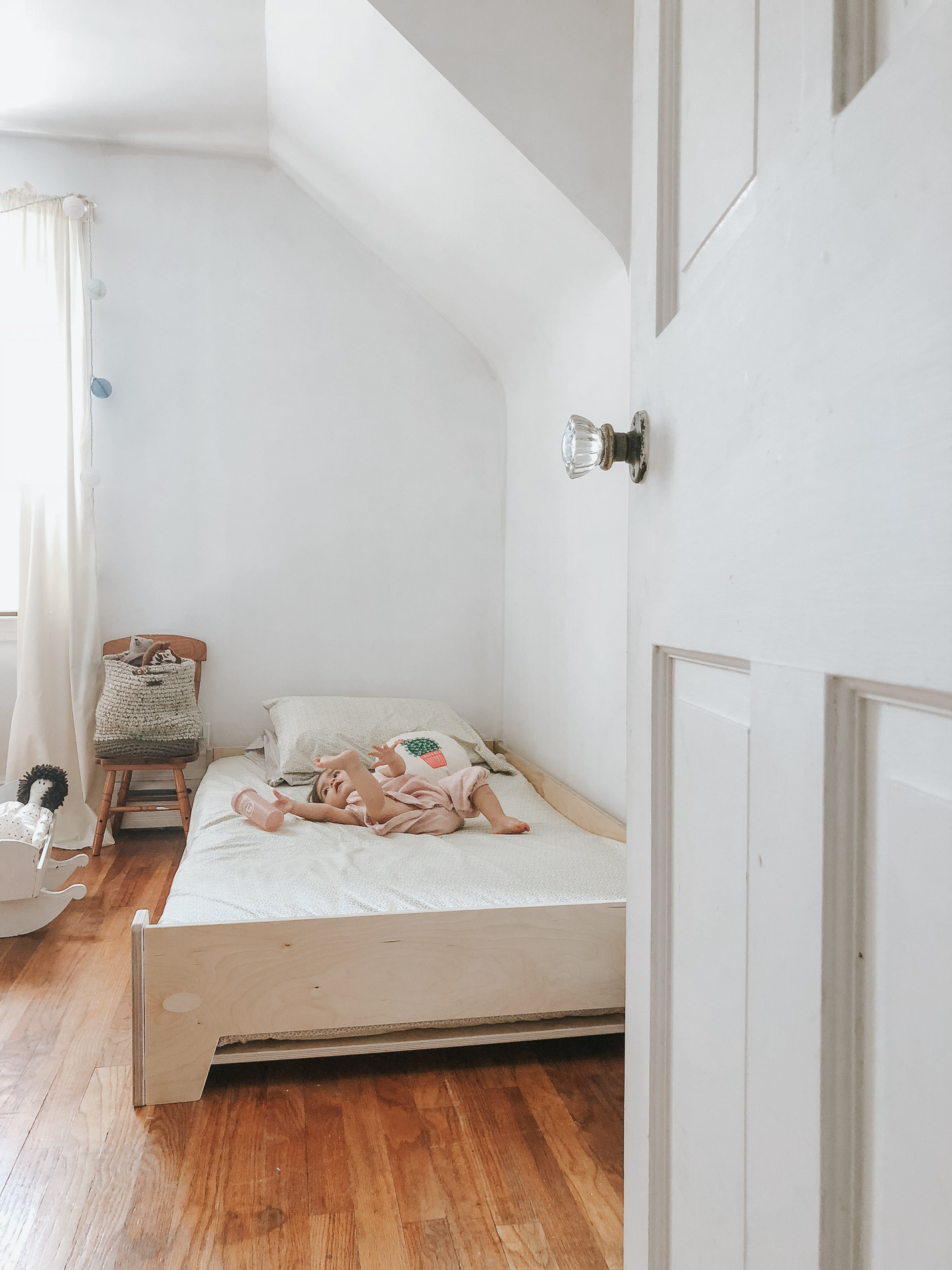 Transitioning To A Floor Bed Montessori Our Experience Bruna Masalin